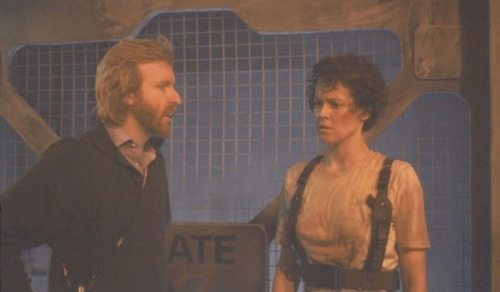 Sigourney Weaver & James Cameron behind the scenes on Aliens