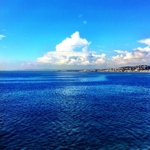 Into the deep blue #nice #nicé #nizza #blue #deepblue #sea #coastline #cotedazur #france #iphone4 #iphone4 #water #seaport #scenery #wide #far #endless #waterworld (Taken with Instagram at Port de nice)
