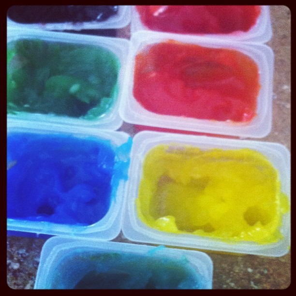 Homemade fingerpaints! #homemade #fingerpaints #paint #kids #activities #toddlers #recipes #fun #SAHM #art #crafts #colors (Taken with instagram)