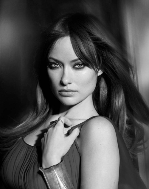 A portrait of Olivia Wilde for Modern Luxury. (photo via FB Revolution). And now what are you going to do? You might be interested in: Olivia Wilde, GQ Italy 2010 You will definitely like: secret garden.