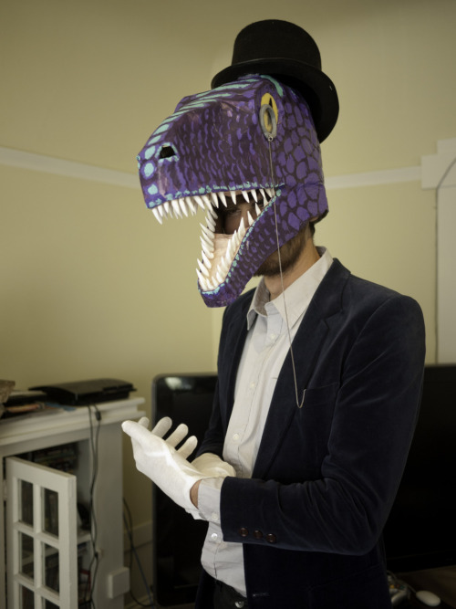 dapper dino jesse balmesaurus—all around cool dude and amazing artist! :)  Scientists show here the latest 3-d modeling of what they believe the very dapper-est of velociraptors looked like. ((really, though, this is simply a splendid outfit!))