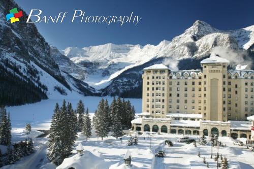 Beautiful shot of the Chateau Lake Louise shot by Lee Simmons. It's such a beautiful place, and if you haven't been here… I STRONGLY recommend you come visit! http://www.banffphotography.com