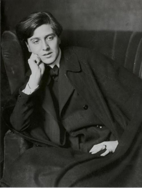 winning-is-not-always-good:  Composer Alban Berg, 1909 photo by Madame d'Ora