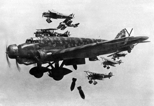 Savoia Marchetti SM.81 Pipistrello bombing, escorted by Fiat CR.32s Spanish Civil War