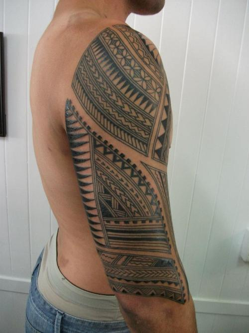 fuckyeahblackwork:  Samoan/Pacific half sleeve byTim Hunt, Pacific Tattoo, Paekakariki, New Zealand