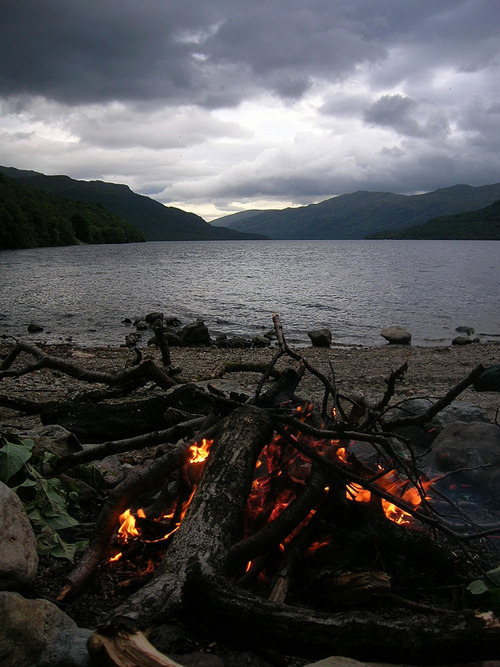 spirits-of-lavender:  Campfire in Scotland.