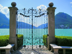 ysvoice:  | ♕ |  Palazzo villa gate - Lake Como, Italy  | by_  | via liberalforever | manoelwilliam