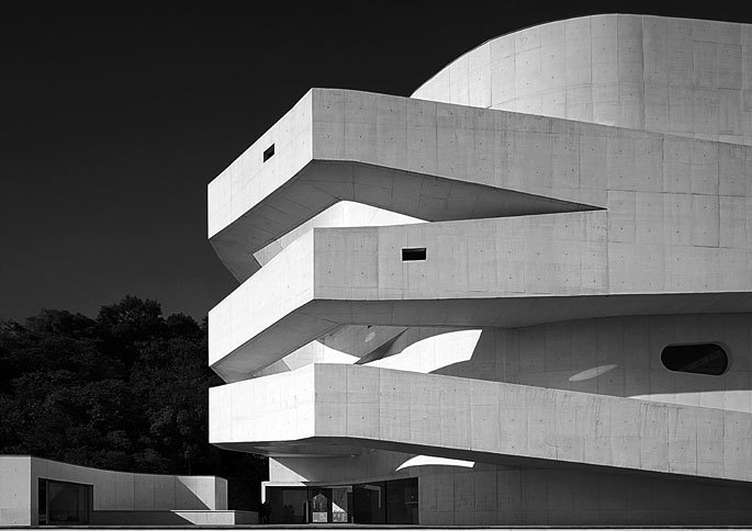 Black & White Architectural Photo [14] Porto Alegre | Iberê Camargo Museum | Álvaro Siza Vieira source