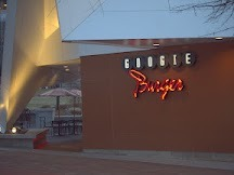 pandgroup:  Nothing says 50's retro design, like Googie architecture.  Googie burger in atlanta's centennial park highlights the essence of this architectural form.