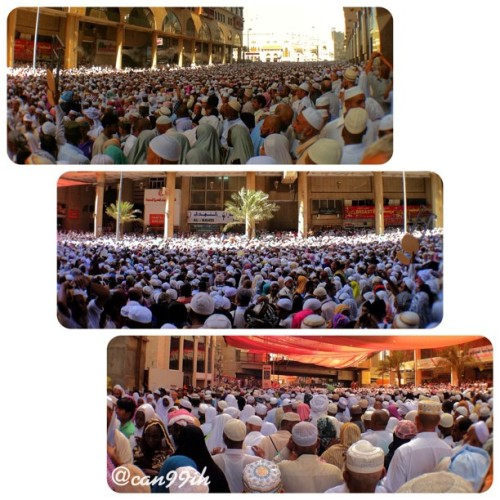 millions people on the street after jumah prayer. packed. max. (@can99ih)