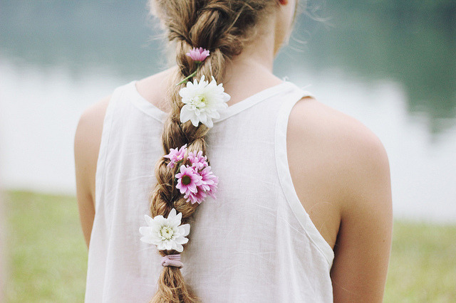 id0ntsaymuch:  flower girl by Jess— on Flickr.