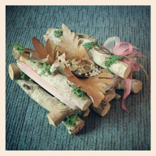 Handmade Wedding accesory. Doing preps for Monday's wedding. #weddings #weddingaccesories #weddingthemes  #happilyeverafter  (Taken with instagram)