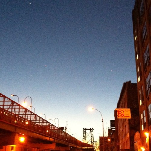 A night run through South Williamsburg, Brooklyn this week (#nofilter)
