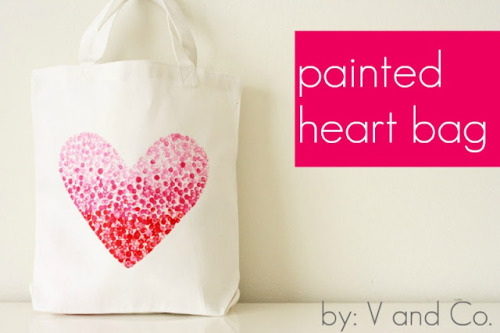 littlecraziness:  V and Co.: V and Co: how to: painted heart bag via craftzine.  need a craft to feel more megan-y — might do this with a peace sign!