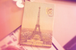 Vintage Paris image, exactly what I was trying to capture with the Dot & Lil 'Springtime in Paris' soap packaging!