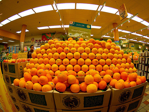 obay-biebur:  reblogging because oranges are swag