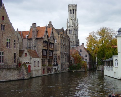 brownhare:  world's best ten historic sites to live in 3 BRUGES BELGIUM amidst some of north europe's finest medieval gothic architecture…. are some really rather fantastic restaurants…. the local flemish fancy frites with everything….