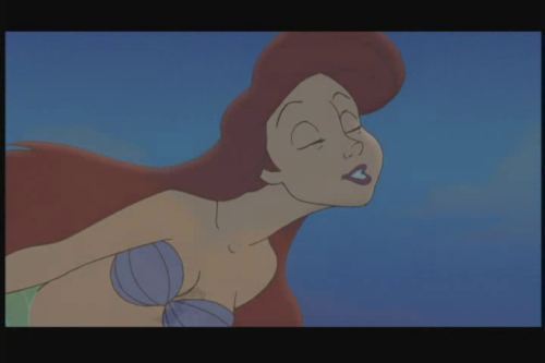 zellas:  Watching The Little Mermaid 2 Ariel…What the fuck is wrong with your neck woman?!