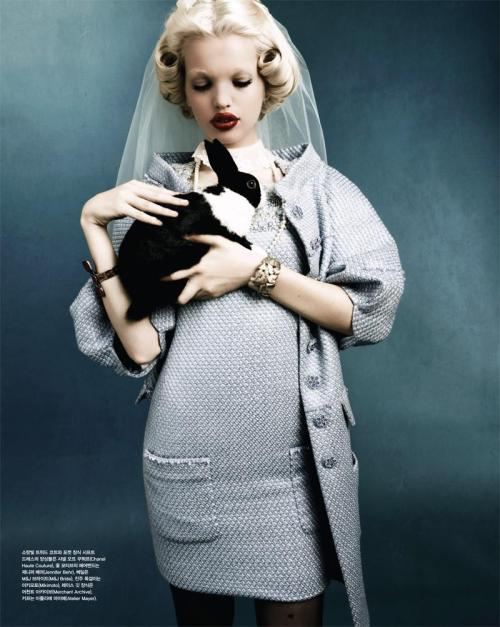 Daphne Groeneveld - Vogue Korea April 2012Daphne Groeneveld - Vogue Korea April 2012