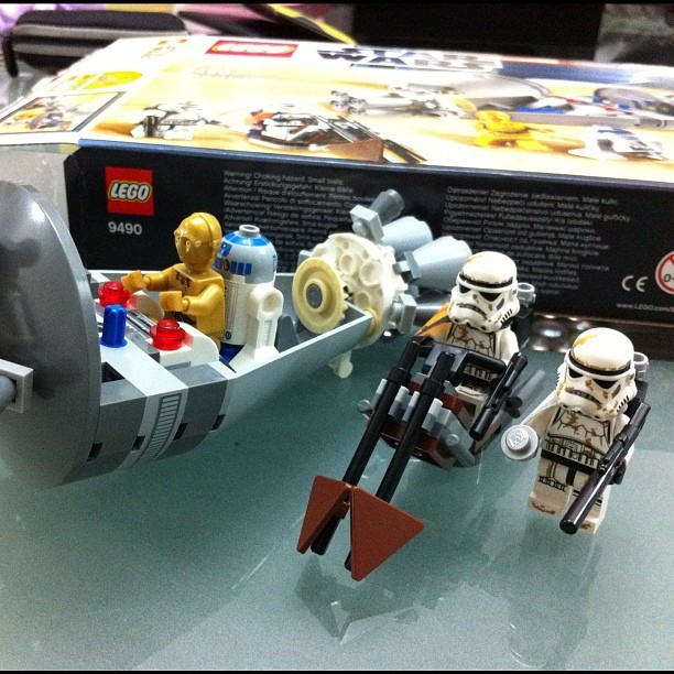 All set #LEGO #StarWars 9490 Droid Escape. I recorded a video while I was assembling the model, I'll upload to YouTube soon (Taken with instagram)