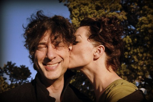neil-gaiman:  Today's Moment of Amanda is from last September. In this case it's really a moment of me. Right now she's on a plane from Melbourne, Australia, to Dallas, Texas, where she's going to start mixing the new album. I'm giving her getting-over-jet-lag time and starting-to-mix-the-album time before we get back together. Four days from now. Not that I'm counting, obviously.  Ladies and gentlemen, my ultimate otp.