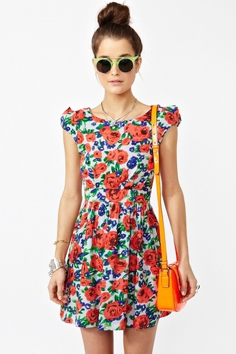 You can wear this to #Coachella: Rosebud Dress $48 via @NastyGal