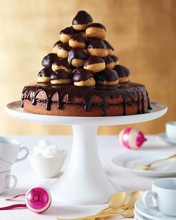 thecakebar:  Jam-Filled Cake with Chocolate Glaze! (recipe) croquembouche topper