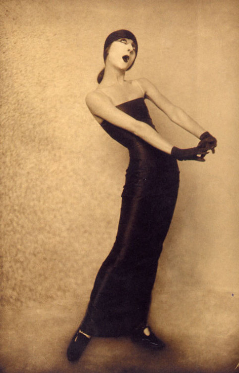 themafucage2:  Charlotte Greenwood: American actress and dancer USA, c.1910 - c.1920.