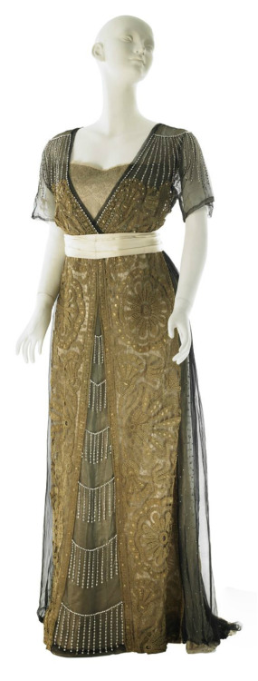 fripperiesandfobs:  Worth evening dress, 1910 From MCNY  You all should just follow this guy. Amazing MCNY spam.