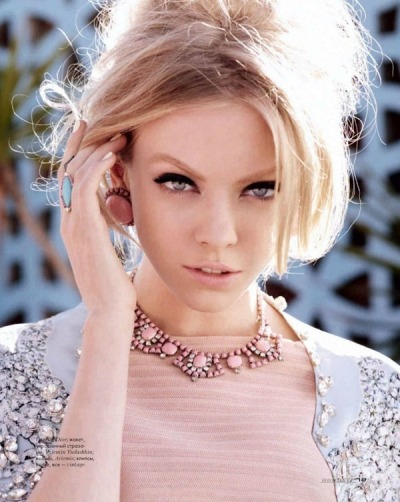 avenuemblog:  New blog post up! Featuring Skye Stracke for Elle Russia