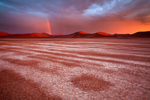 The Namib by *hougaard  It' beautiful.