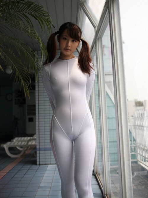 japanese girl in a white full body leotard with camel toe  画