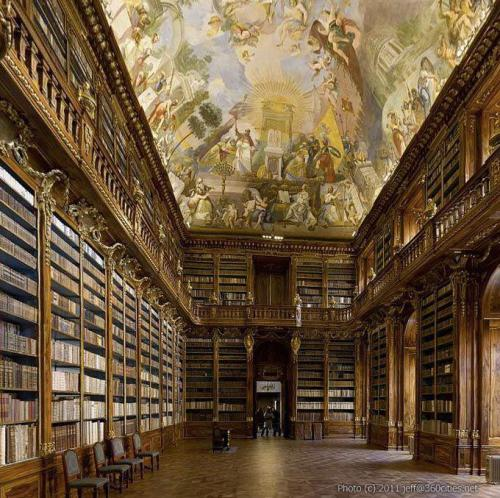 Strahov Abbey, philosophical library