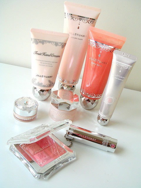 atchocochocopretty:   peach and pink by jill stuart, Japan