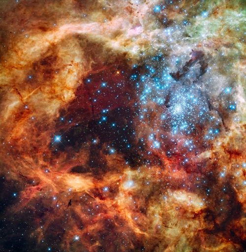 #sunsetsandouterspaceweek khuzduls:  Hubble's Festive View of a Grand Star-Forming Region