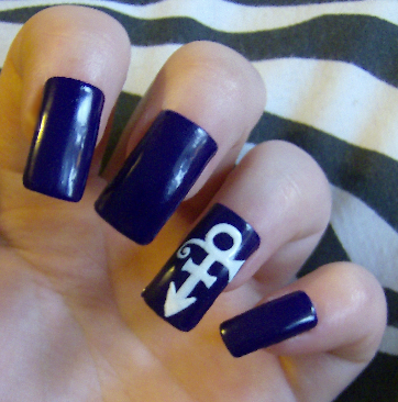 fallautumn:  ameliabutter:  kayleighoconnor:  Prince  i want this manicure, duh  yea im not sure why i havent thought of doing prince nails sooner.  this is some sexy motherfucker shit right here