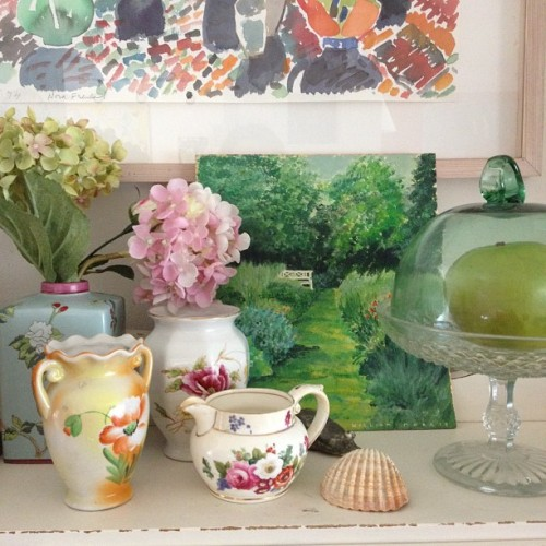 nestprettythings:  Still life with my sister's painting (Taken with instagram)