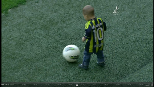 Fenerbahçe SK football player Alex 's son, Felipe