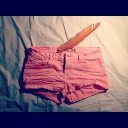 Pink shorts. #fashion #style #instamood #iphoneography #igers #igersnyc #igerslondon #igersitalia #bestoftheday #look #festival #coachella #pink #orange #feather #shop #denim #colour #spring #2012 (Taken with instagram)
