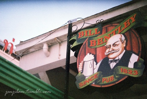 Bill Bentley Pub - Nikon EM / Agfa Vista 400