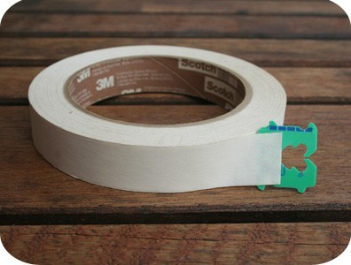 bread ties to hold ends of tape : mykotori.com Pretty clever stuff! The only link I could find to the original post comes up empty for me for some reason, but it may work for you. http://mykotori.com/blog/2010/05/17/new-uses-for-old-things/