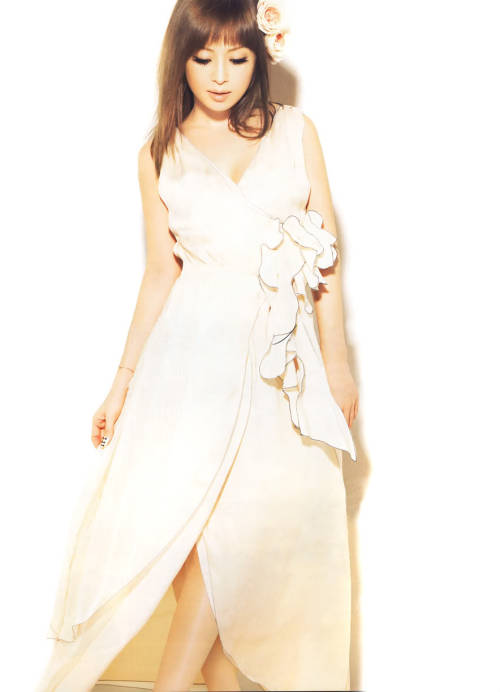 ayumi-fan:  ~From Sweet 2010 February issue~ credit: Aderianu @ AHS