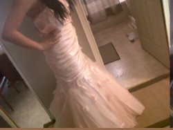 sm0kestacks:  my grad dress :D