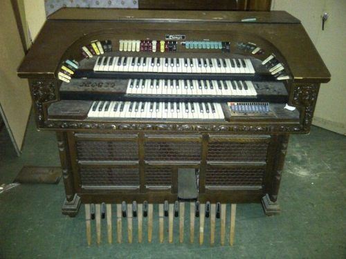 Want have an organ of your very own? Pick this baby & it is yours FREE!!! Email us at engine18firehouse(a)gmail(dot)com — we are located in Dorchester MA.