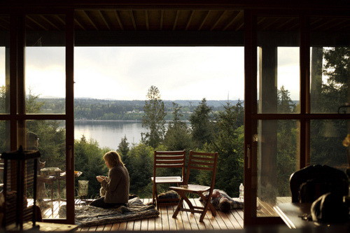 youngmanandoldsoul:  Yes, I'd wake up and sit here every morning. *