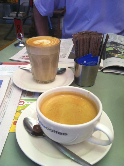 Long Black and Latte, Byron Bay. Via Kavenator.
