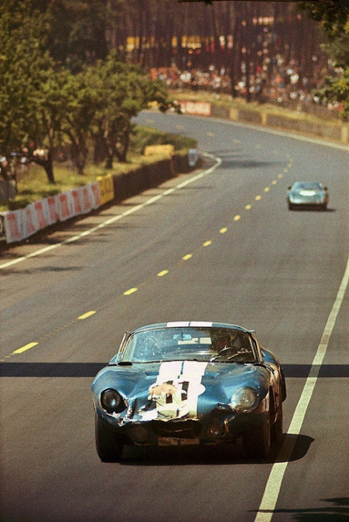 (via The Magnetic Brain: Smash 'Em Up) 24 Hours of Le Mans, 1965  The only Ford to finish in 1965 was the crumpled Shelby Daytona Cobra of Jack Sears and Dick Thompson. CSX 2299 finished 8th outright despite an oil pickup problem.