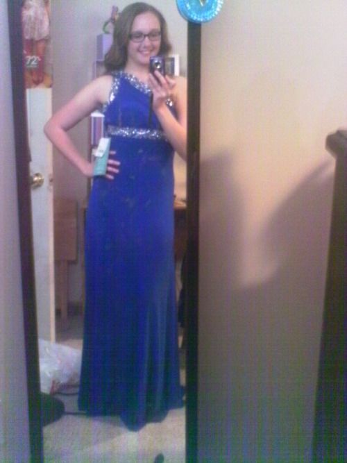 I think I forgot to share with my tumblr family, my prom dress. So here it is!