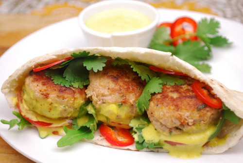 yummyinmytumbly:  Coconut Curry Turkey Pitas