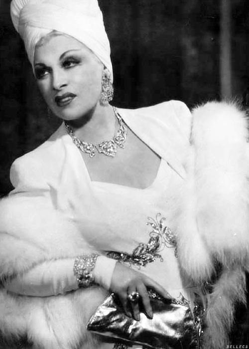 bellecs:  Mae West photographed by George Maillard Kessler, 1944
